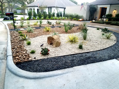 front yard Gravel landscaping